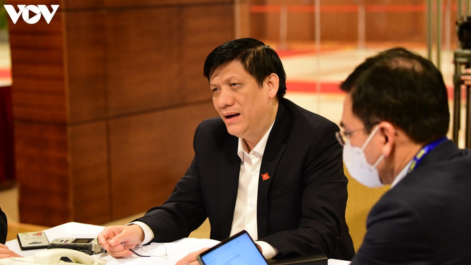 Cần thiết sẽ điều động thêm y bác sĩ, máy móc thiết bị về Quảng Ninh, Hải Dương