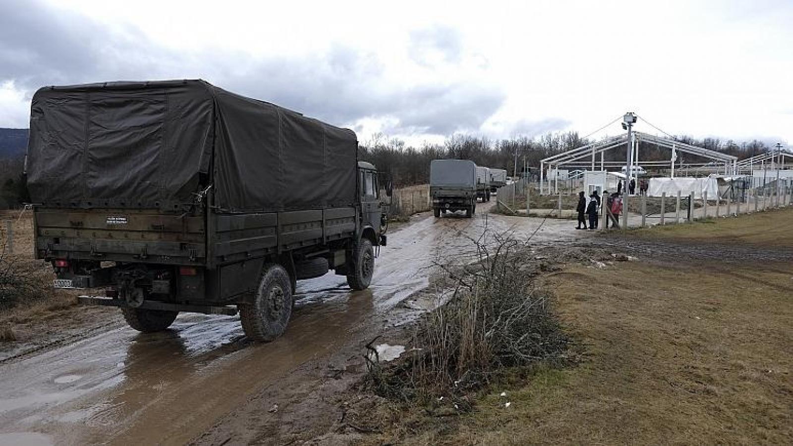 Bosnia dựng lều tạm cho người di cư sau khi trại tị nạn Lipa bị thiêu rụi