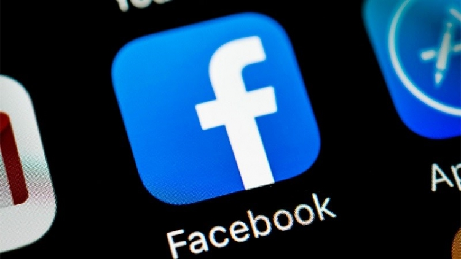 Facebook cấm tài khoản của ông Trump cho tới cuối nhiệm kỳ