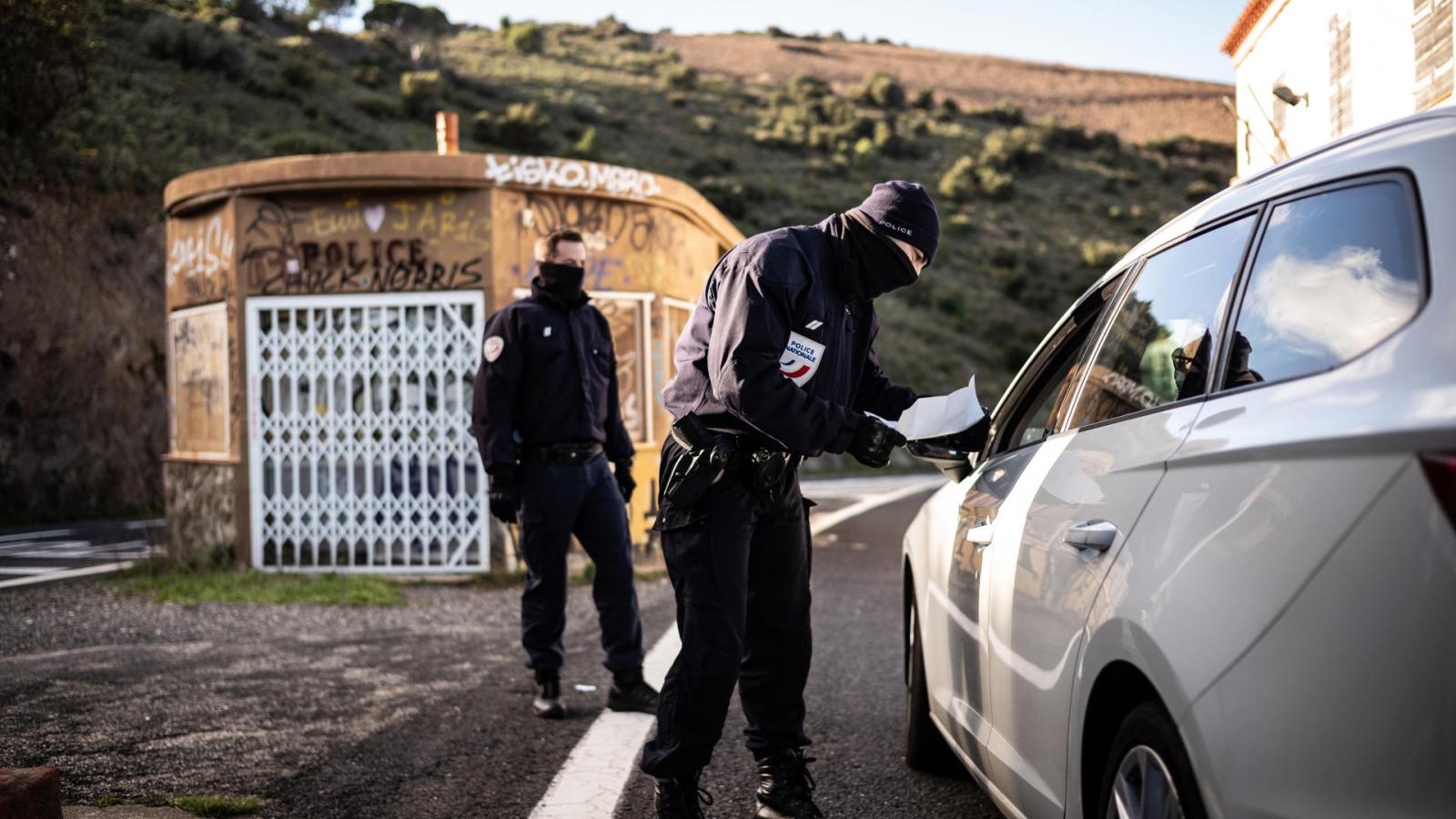 Pháp đóng biên giới hoàn toàn với các nước ngoài EU