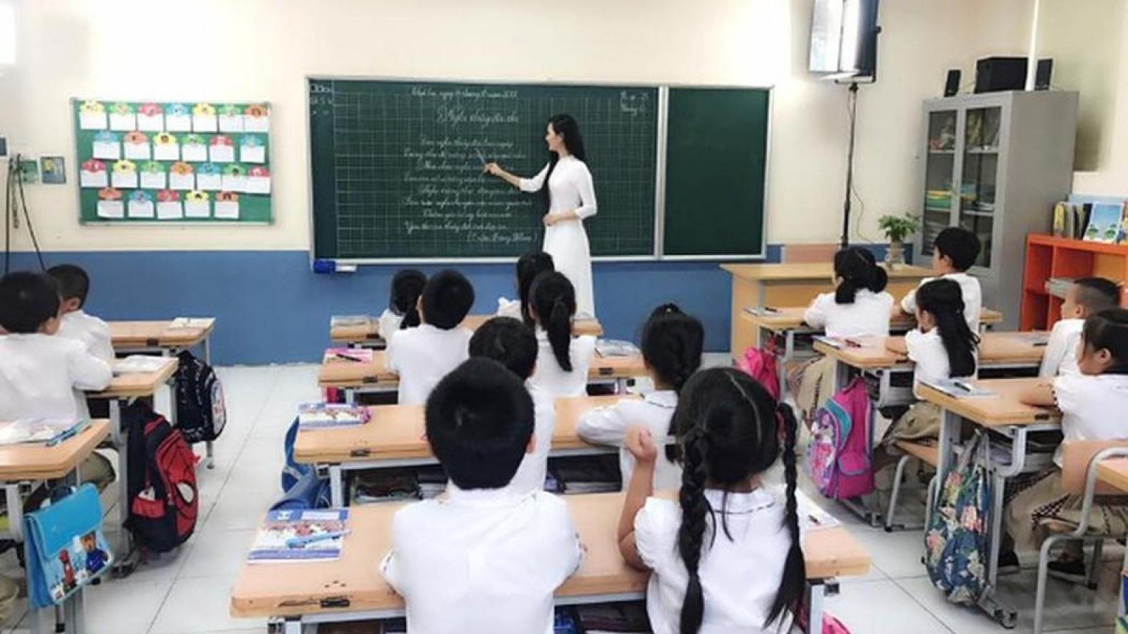 Một tuần, giáo viên phổ thông phải dạy bao nhiêu tiết?