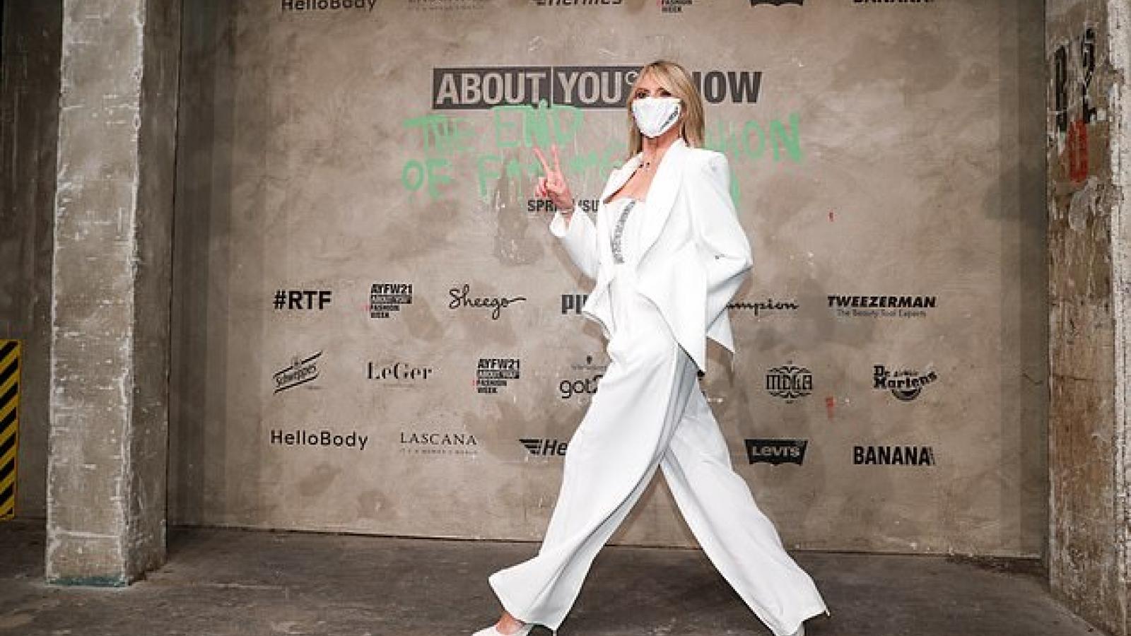 Siêu mẫu Heidi Klum sang trọng, trẻ trung tại sự kiện thời trang