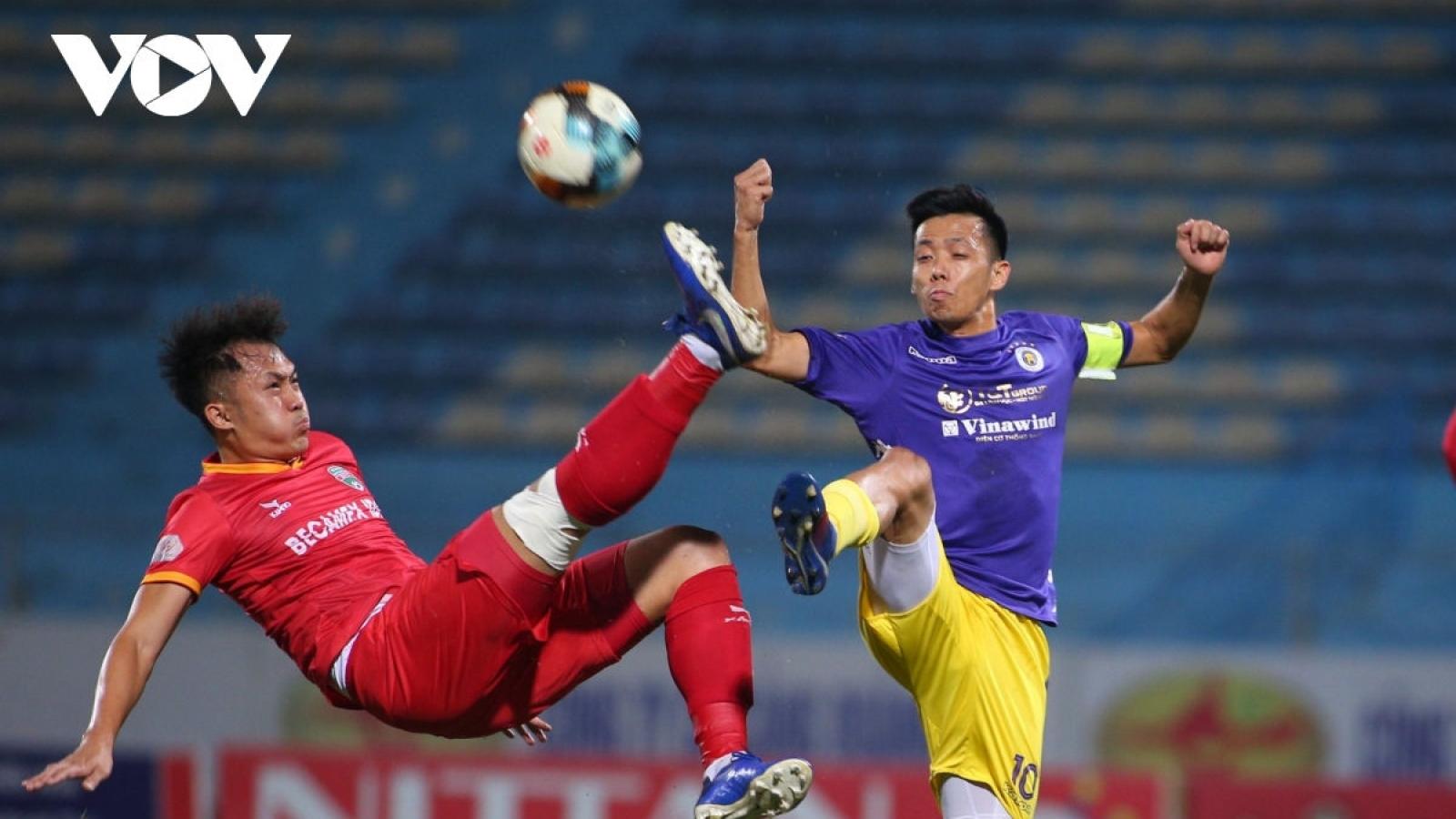 TRỰC TIẾP Hà Nội FC - Bình Dương: Quang Hải, Văn Quyết đọ sức Tiến Linh, Omar