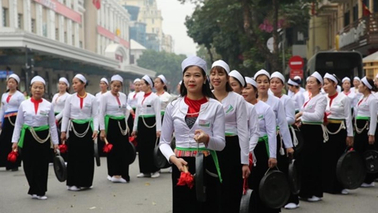 Hoa Binh culture on show in downtown Hanoi
