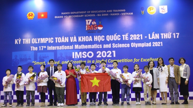 Local students win gold medals at Int'l Mathematics and Science Olympiad