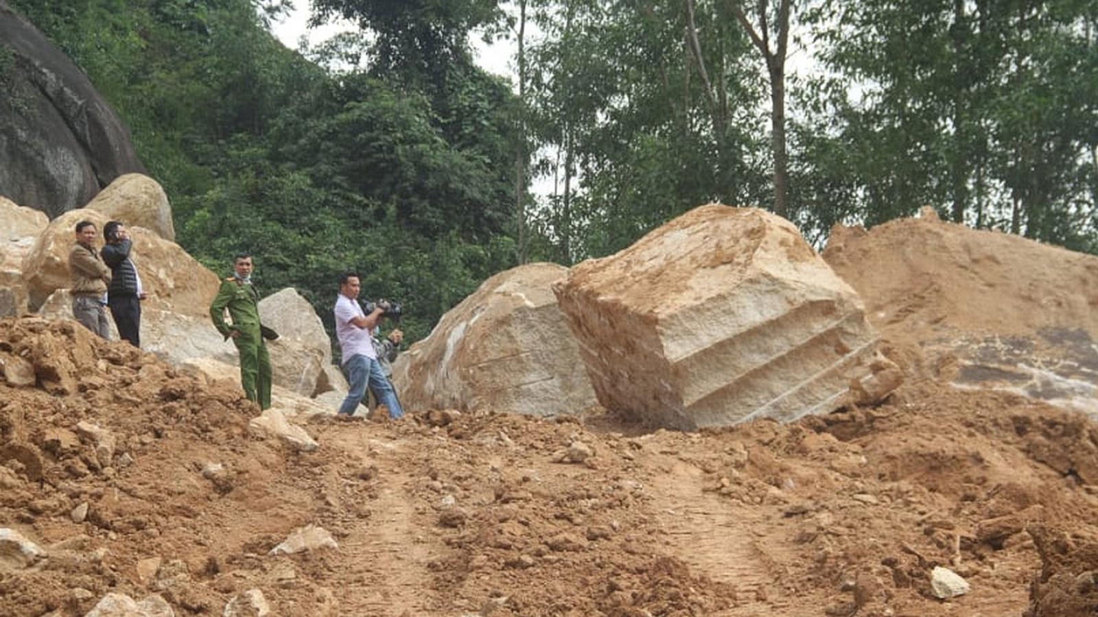 Xử lý nghiêm tình trạng khai thác đá trái phép trên núi Hòn Chà