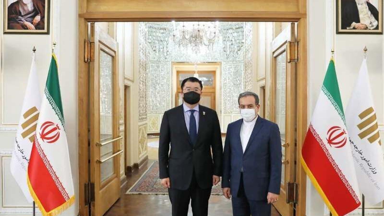 Hàn Quốc – Iran đàm phán thả tàu: Không hề dễ dàng