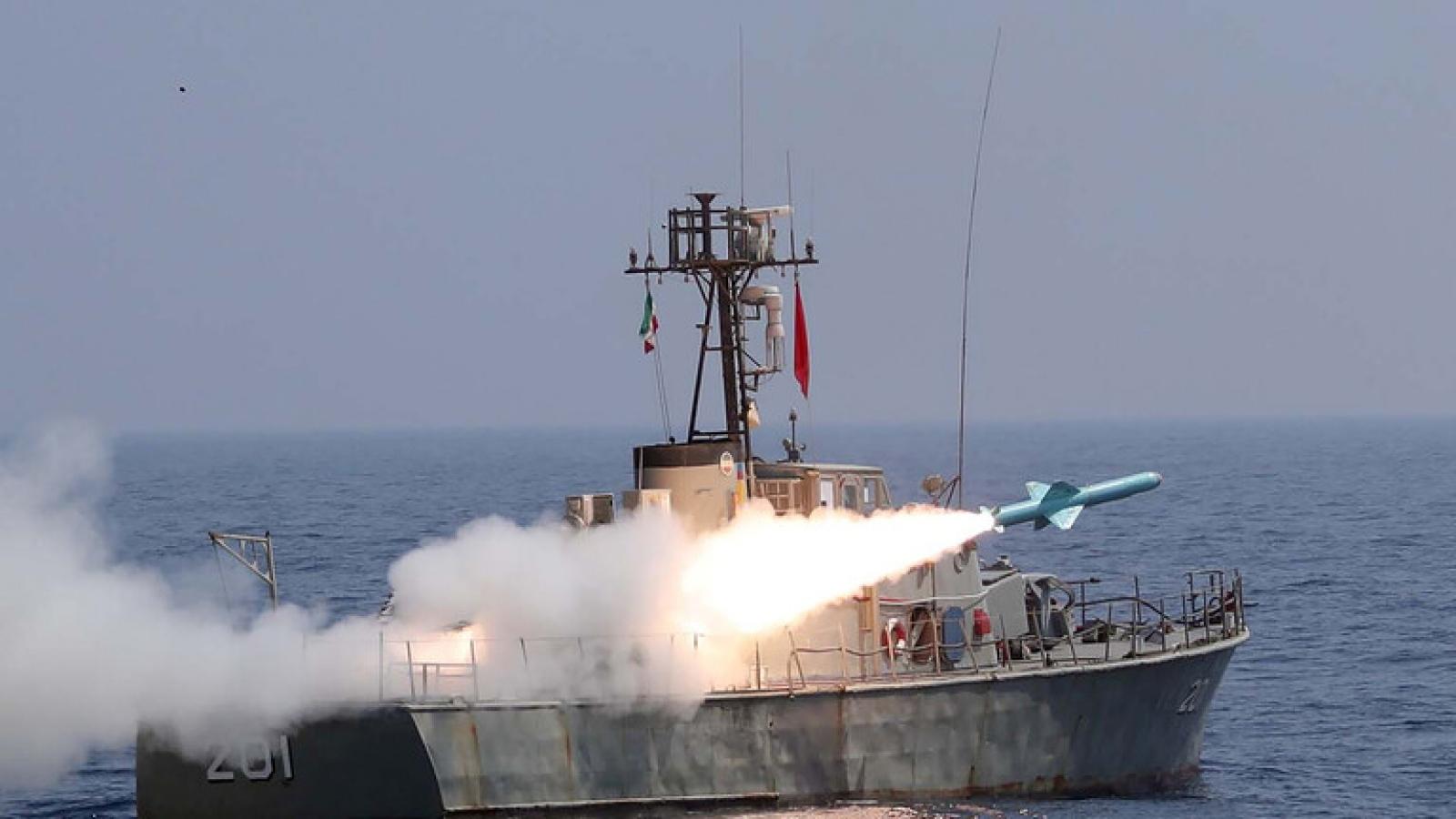 Iran thông báo tập trận tên lửa lớn ở Biển Oman