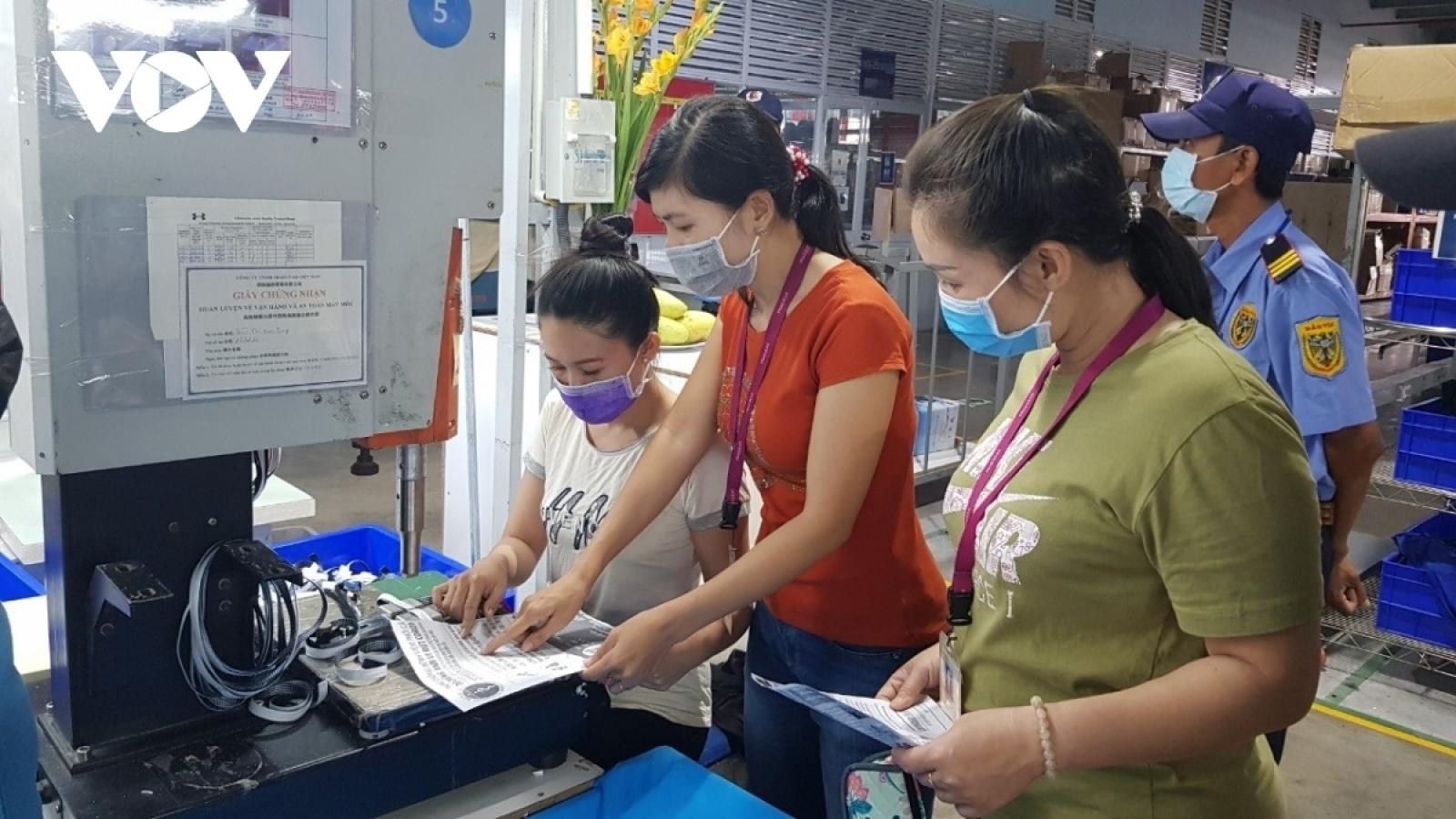 Hỗ trợ tiền Tết 2 triệu đồng cho người lao động bị ảnh hưởng thiên tai, dịch bệnh