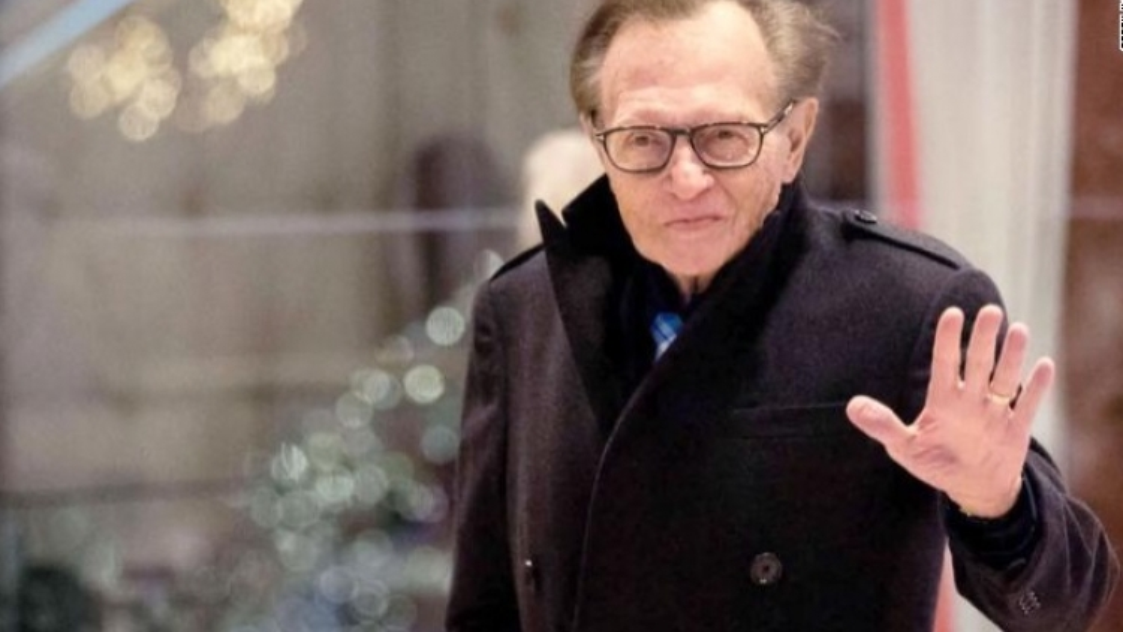 MC truyền hình huyền thoại Larry King của Mỹ nhập viện do Covid-19