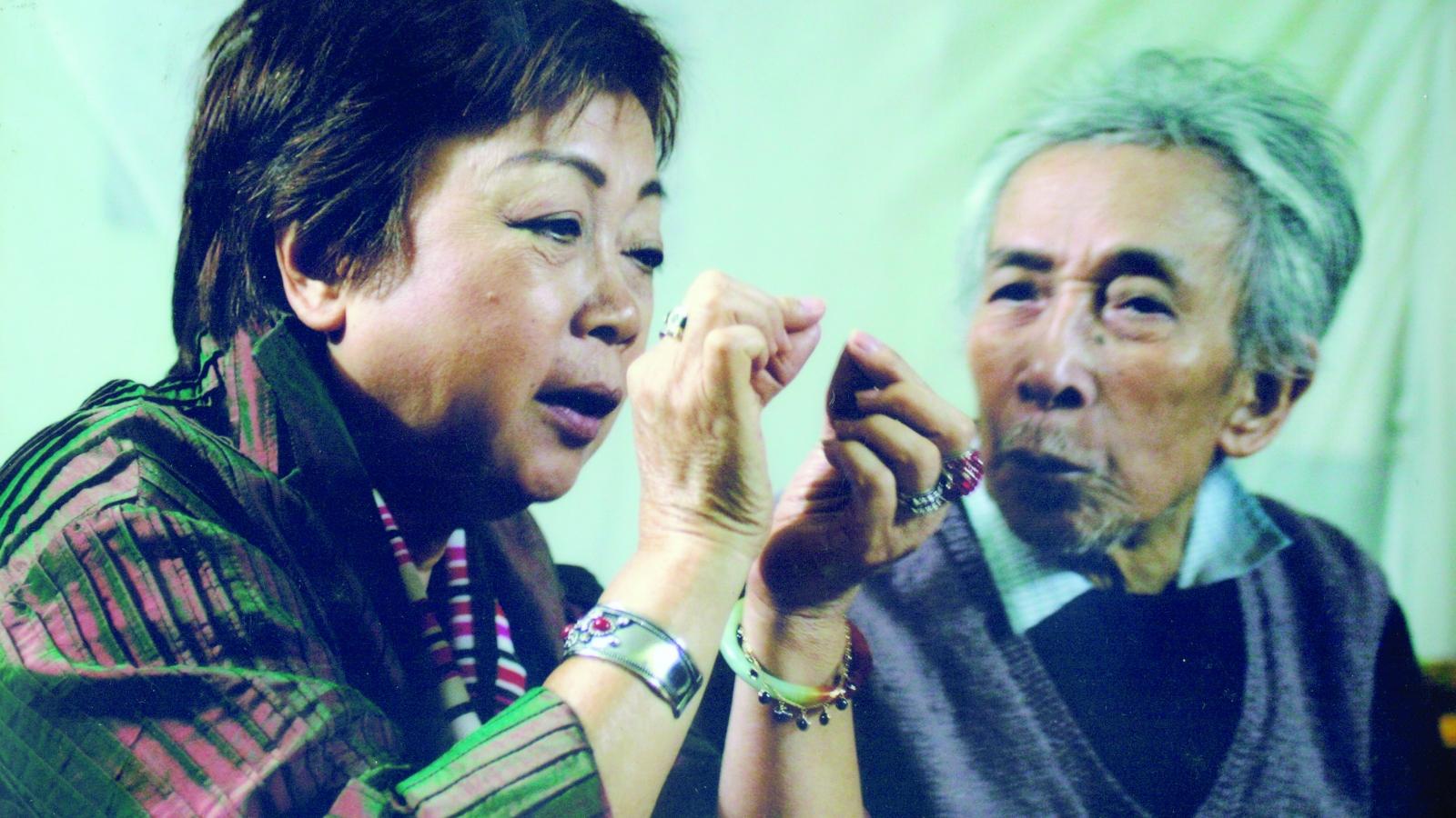 """Họa sĩ Nguyễn Thị Hiền: """"Cha là người thầy hội họa đầu tiên của tôi"""""""
