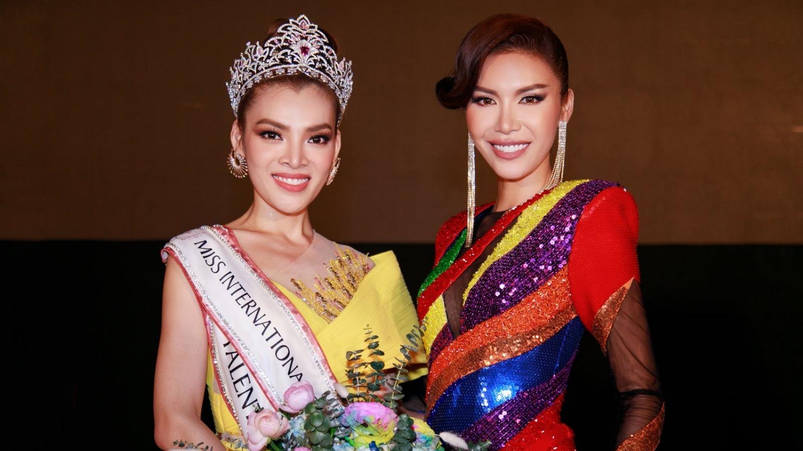 Minh Tú diện đầm lục sắc, xúc động cảm ơn cộng đồng LGBT Việt Nam