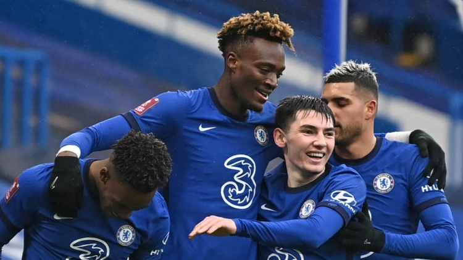 Abraham lập hat-trick, Chelsea thẳng tiến vòng 5 FA Cup