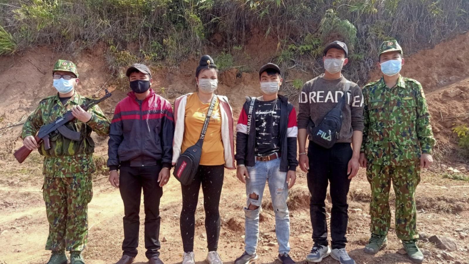 Bắt giữ 4 người nhập cảnh trái phép qua biên giớiĐiện Biên