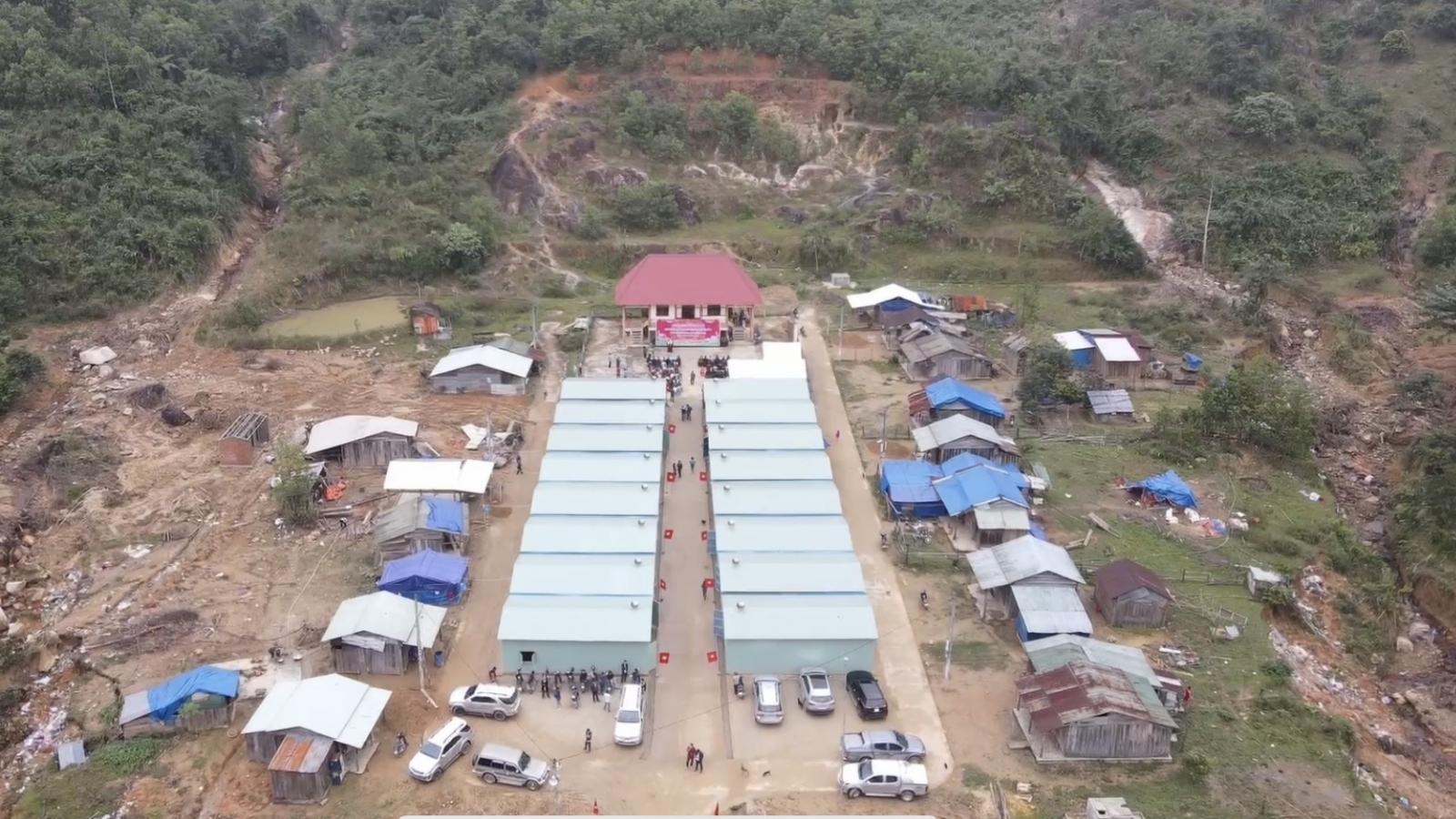 Khánh thành, bàn giao 17 căn nhà đầu tiên cho người dân vùng sạt lở Phước Sơn, Quảng Nam