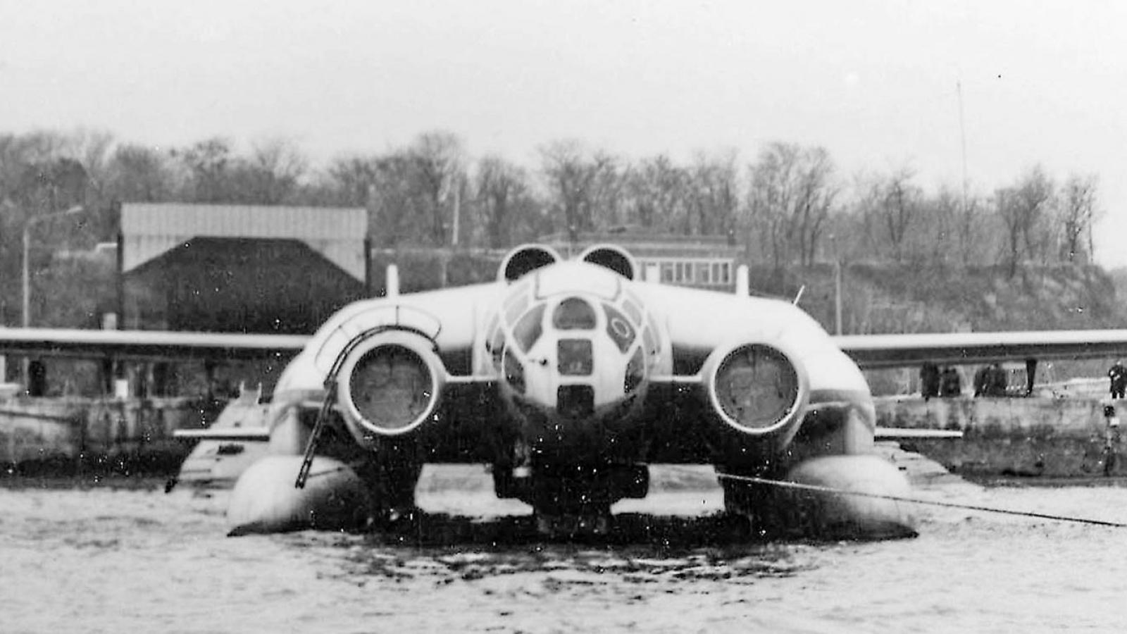 """Quái vật bay 3 đầu diệt ngầm VVA-14 """"kỳ dị"""" của Liên Xô"""