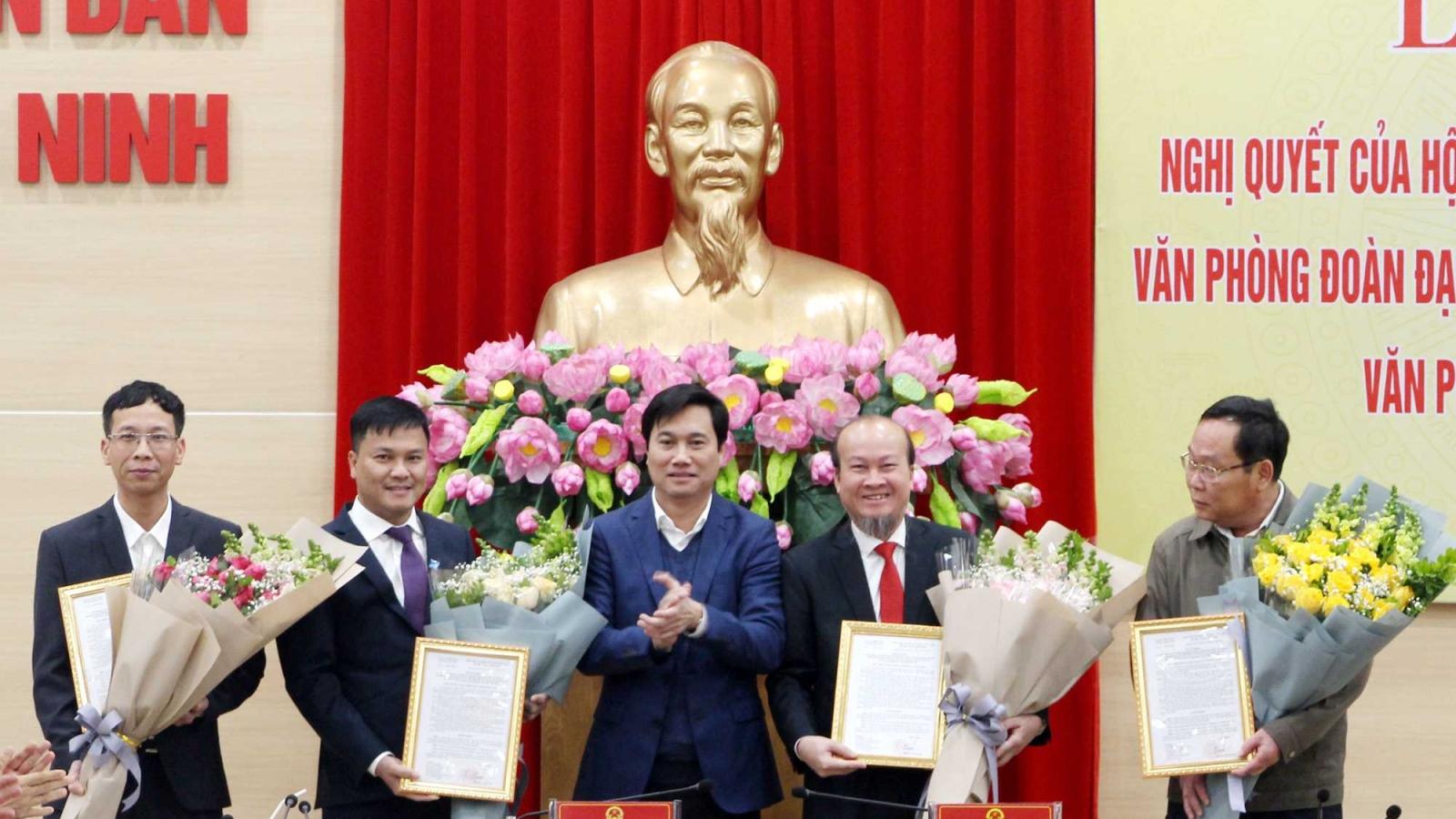 Quảng Ninh thành lập Văn phòng Đoàn ĐBQH và HĐND; Văn phòng UBND tỉnh