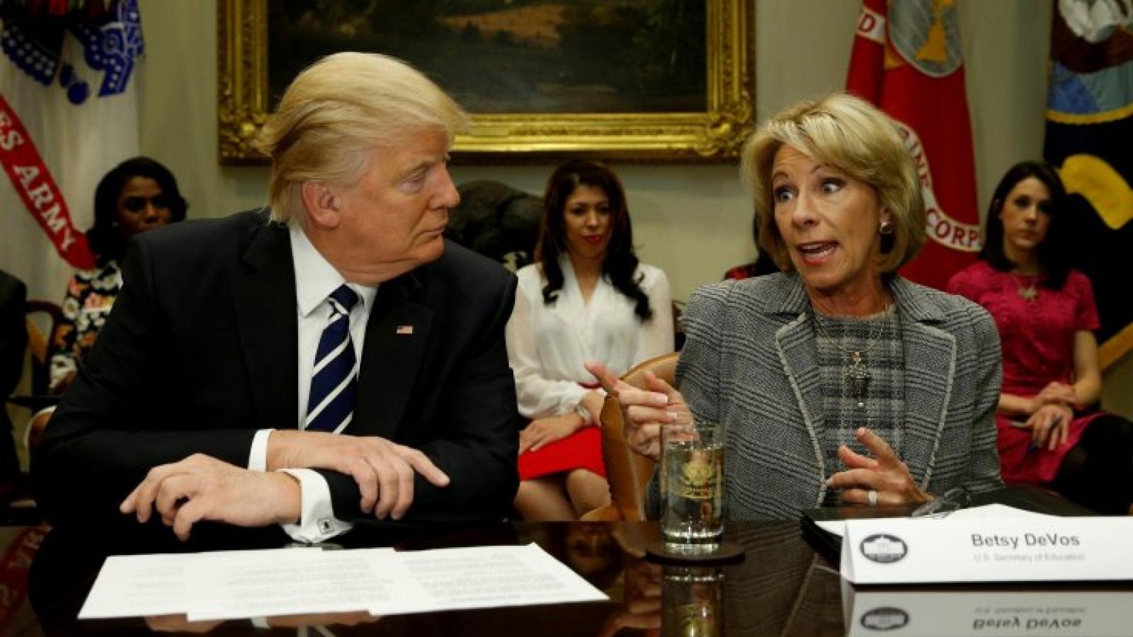 Bộ trưởng Giáo dục Mỹ từ chức để phản đối cuộc bạo loạn tại quốc hội