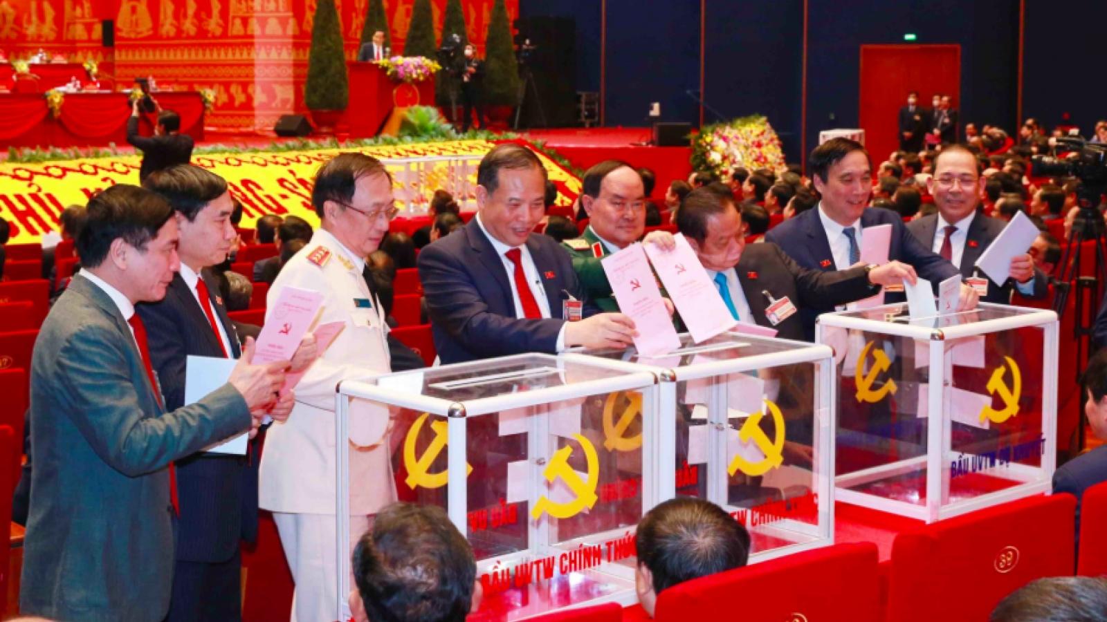 8 Ủy viên Bộ Chính trị khóa XII trúng cử BCH Trung ương khóa XIII