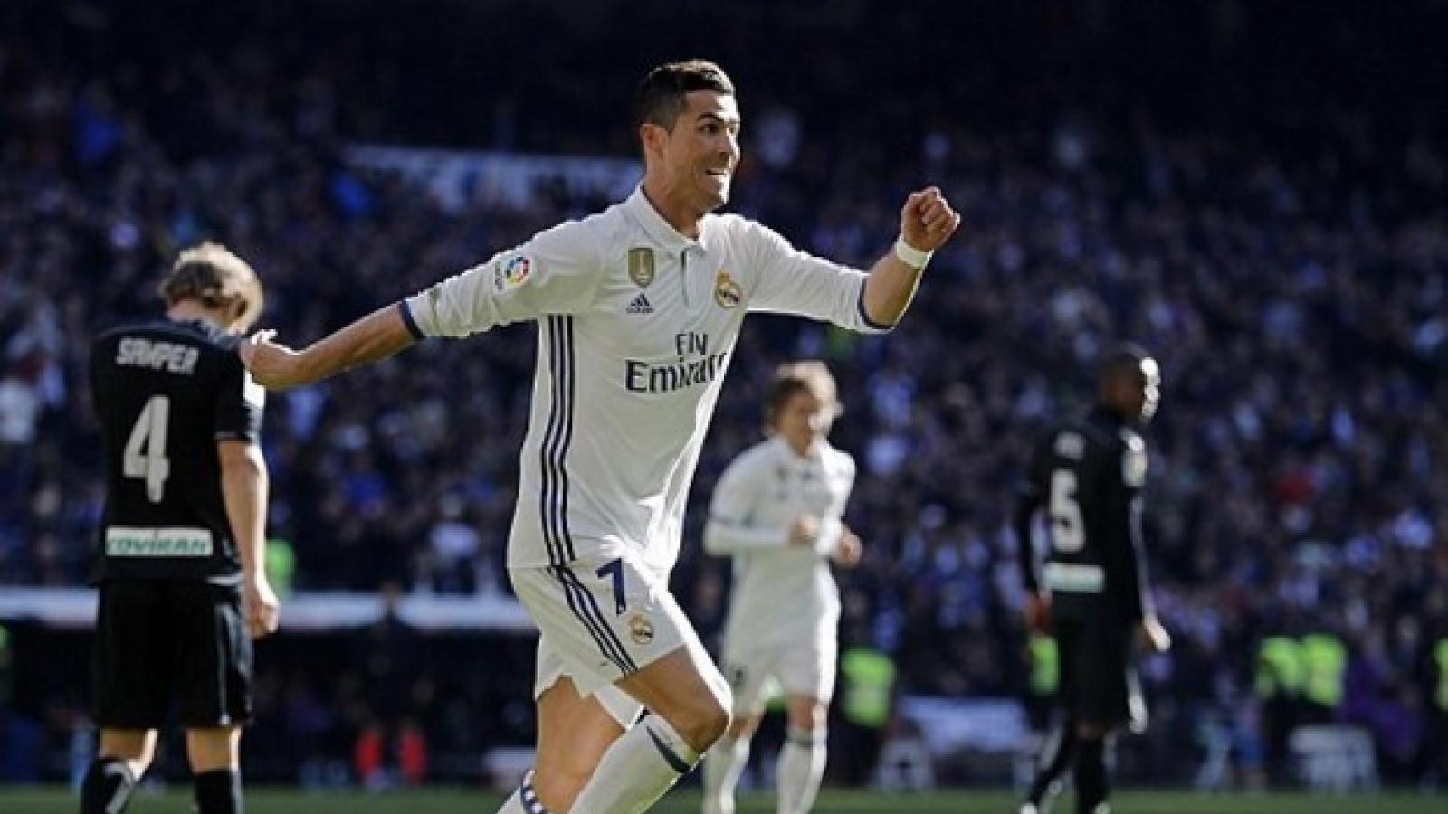 Ngày này năm xưa: Ronaldo giúp Real Madrid cân bằng kỷ lục của Barca