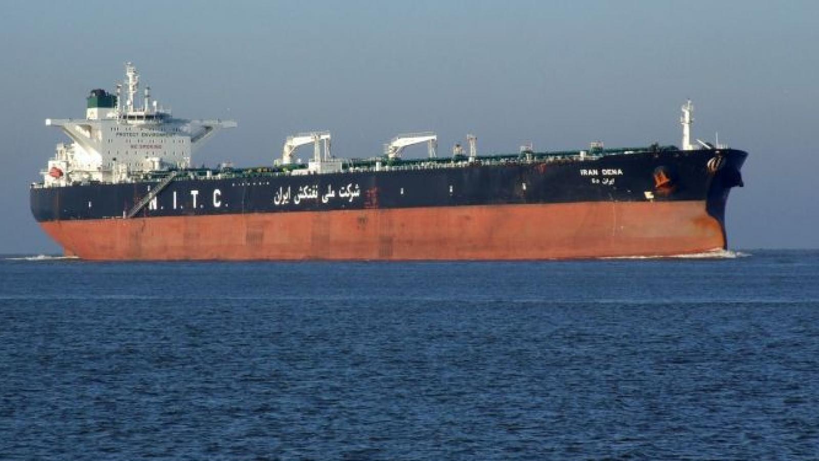 Mỹ tìm cách bắt tàu nghi chở dầu của Iran