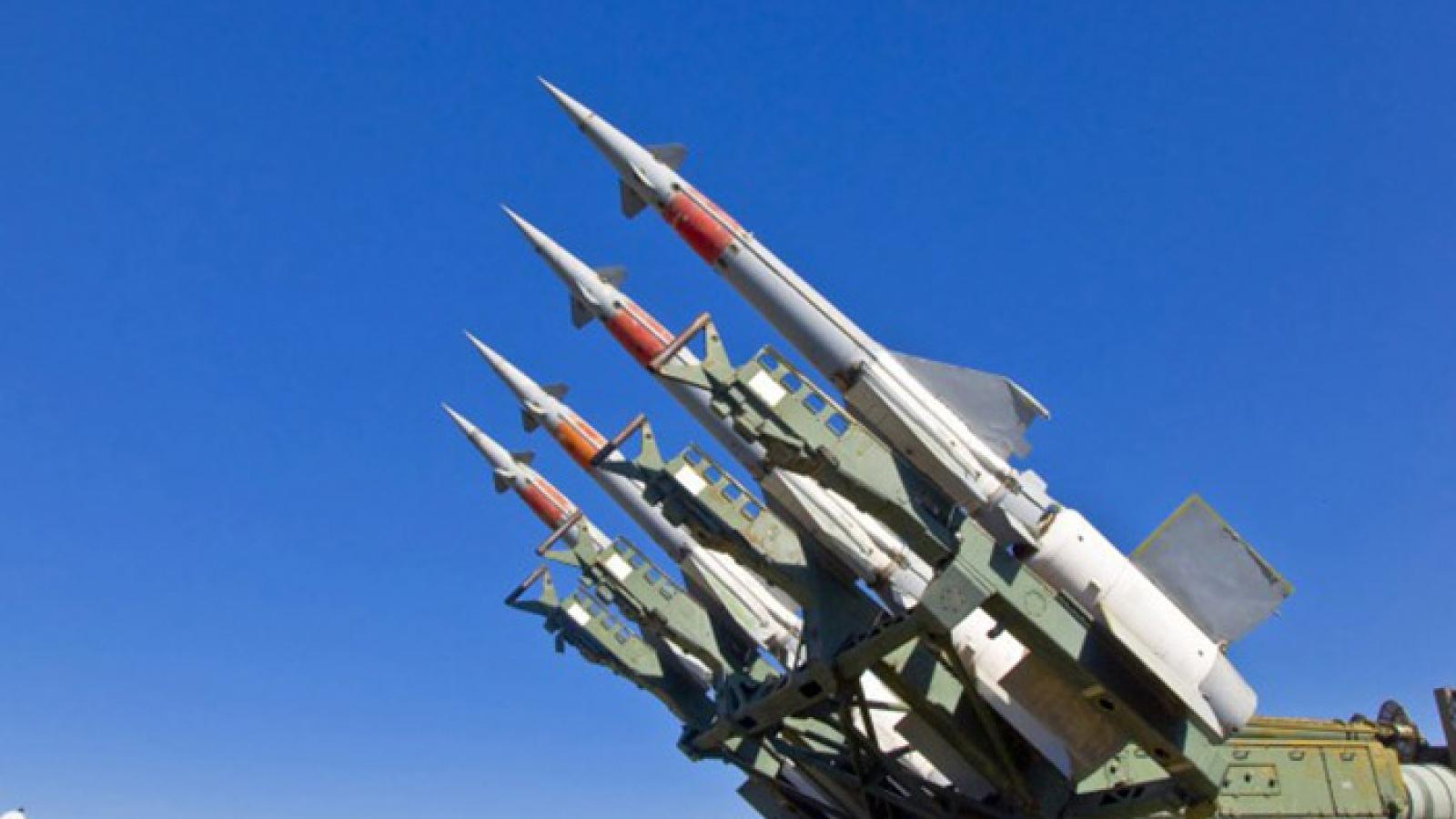 Syria bắn hạ nhiều tên lửa tấn công của Israel