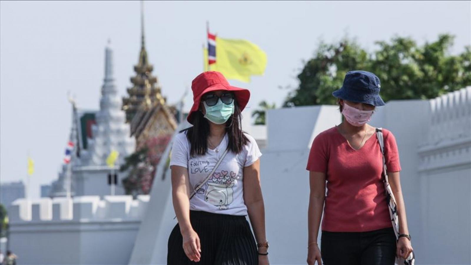 Thái Lan áp dụng hạn chế mới để chặn làn sóng lây nhiễm COVID-19 thứ 2