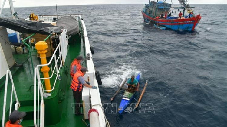 Four foreign sailors successfully rescued