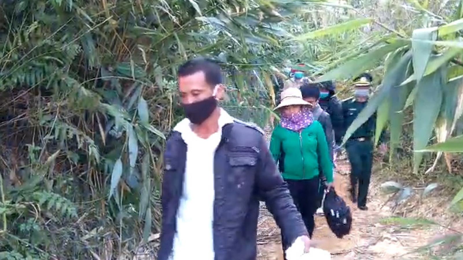 Biên phòng Kon Tum bắt giữ 6 người nhập cảnh trái phép từ Lào