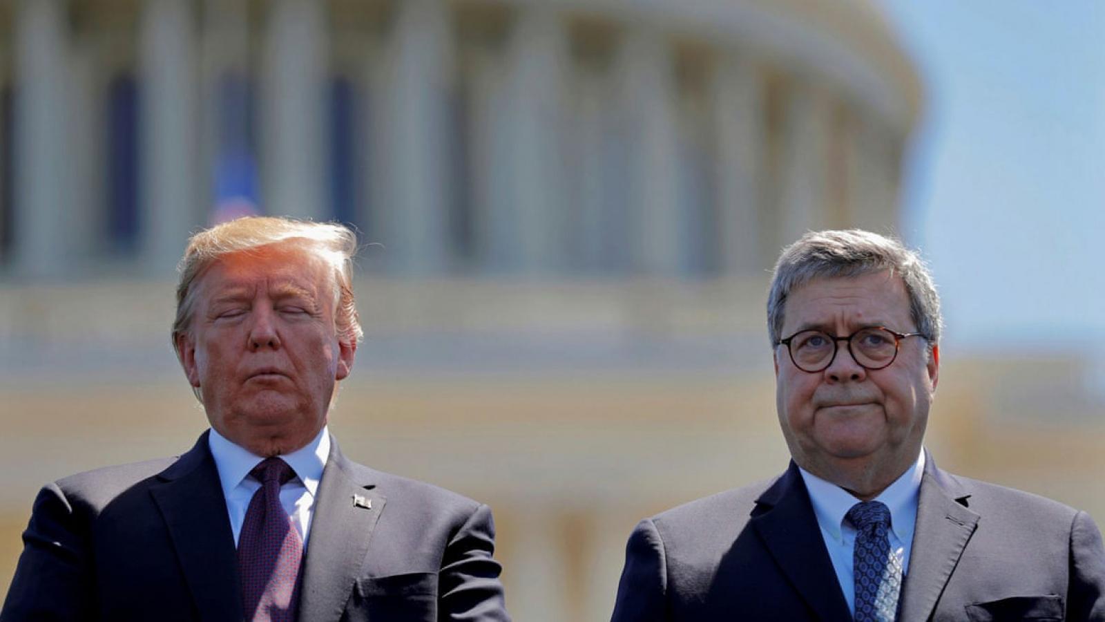 Cố vấn Nhà Trắng và cựu Bộ trưởng Tư pháp cảnh báo ông Trump không nên tự ân xá