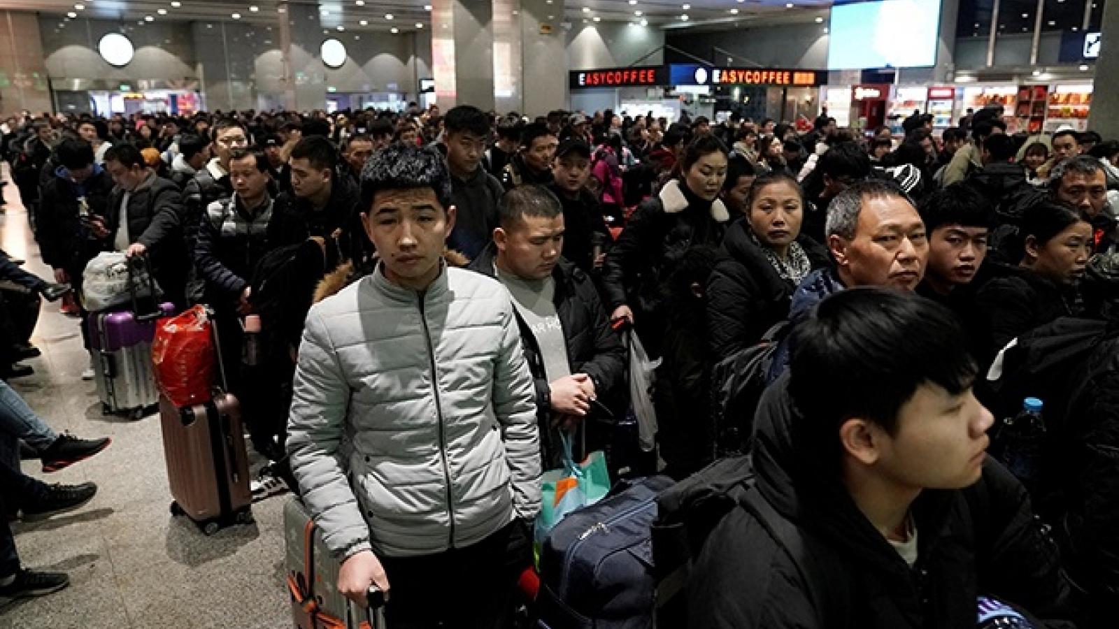 """Đi lại trong dịp """"Xuân vận"""" của Trung Quốc dự kiến giảm mạnh"""