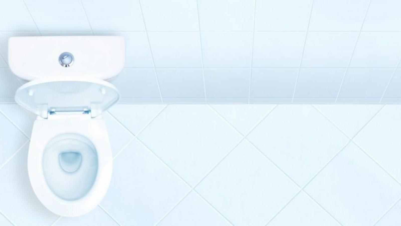 Những nguyên nhân bất thường khiến nước tiểu nặng mùi