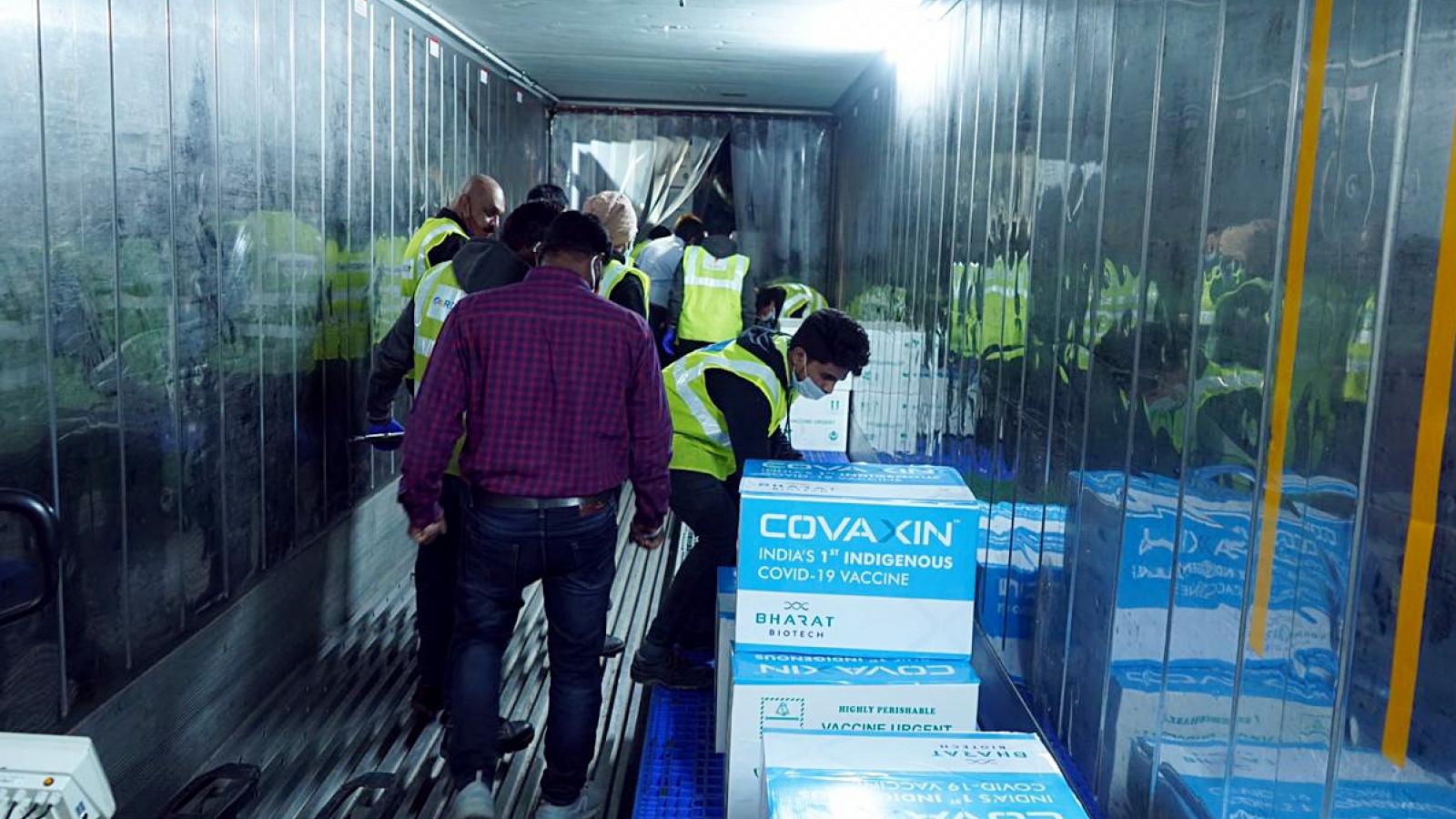 Nhà sản xuất ở Ấn Độ cam kết bồi thường nếu vaccine Covid-19 có tác dụng phụ