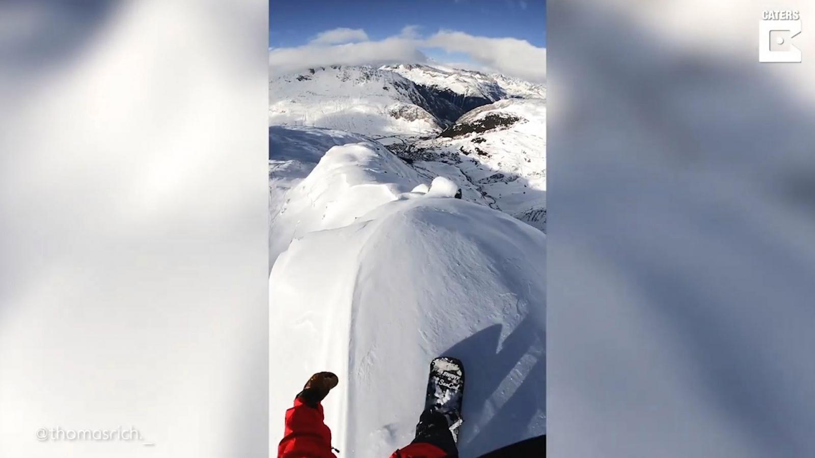Thót tim màn trượt ván trên tuyết ở sườn núi hẹp