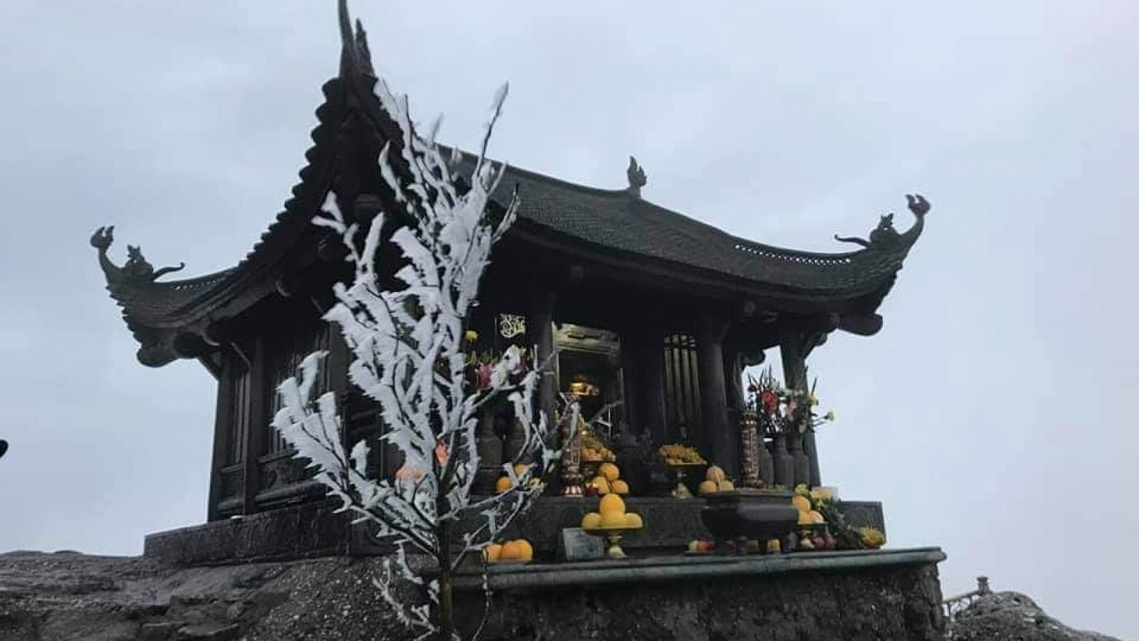 Băng giá phủ trắng Bình Liêu và Yên Tử, Quảng Ninh