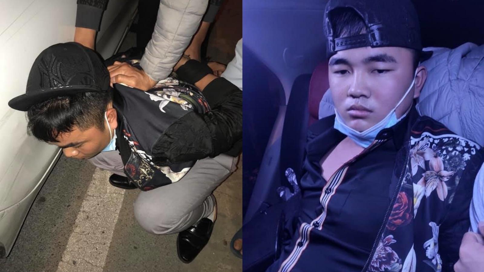 Nam thanh niên dùng bình xịt dầu gió để cướp taxi