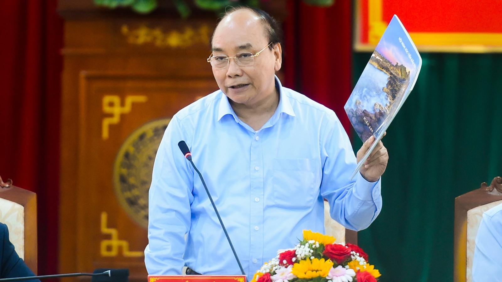 """""""Phú Yên cần lưu tâm đến ý tưởng, tầm nhìn chiến lược của từng dự án cụ thể"""""""