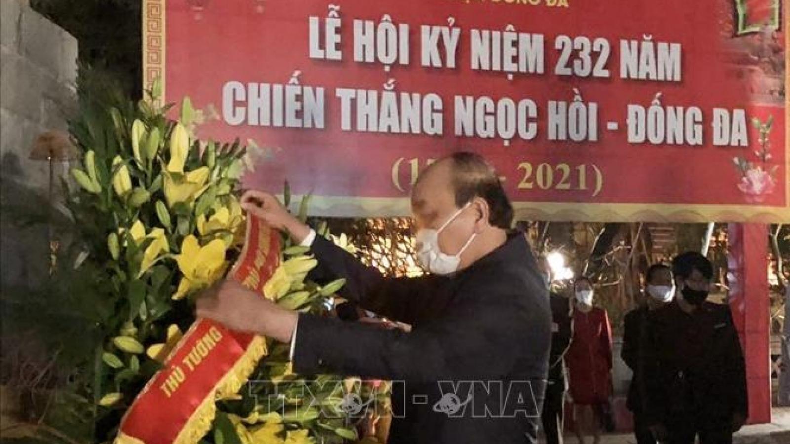 Thủ tướng dâng hương tưởng nhớ Hoàng đế Quang Trung – Nguyễn Huệ