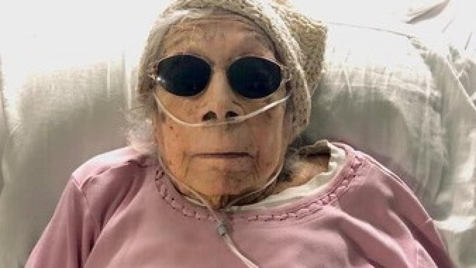 """Cụ bà 105 tuổi ở Mỹ chiến thắng Covid-19 nhờ """"cầu nguyện"""" và...nho khô"""