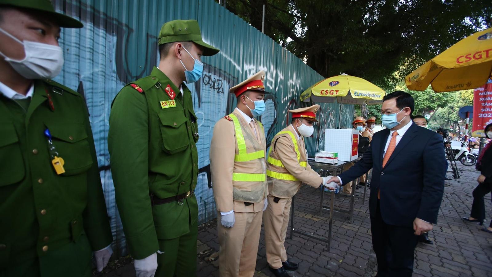 Hơn 20.000 lượt cán bộ, chiến sĩ công an làm việc xuyên Tết