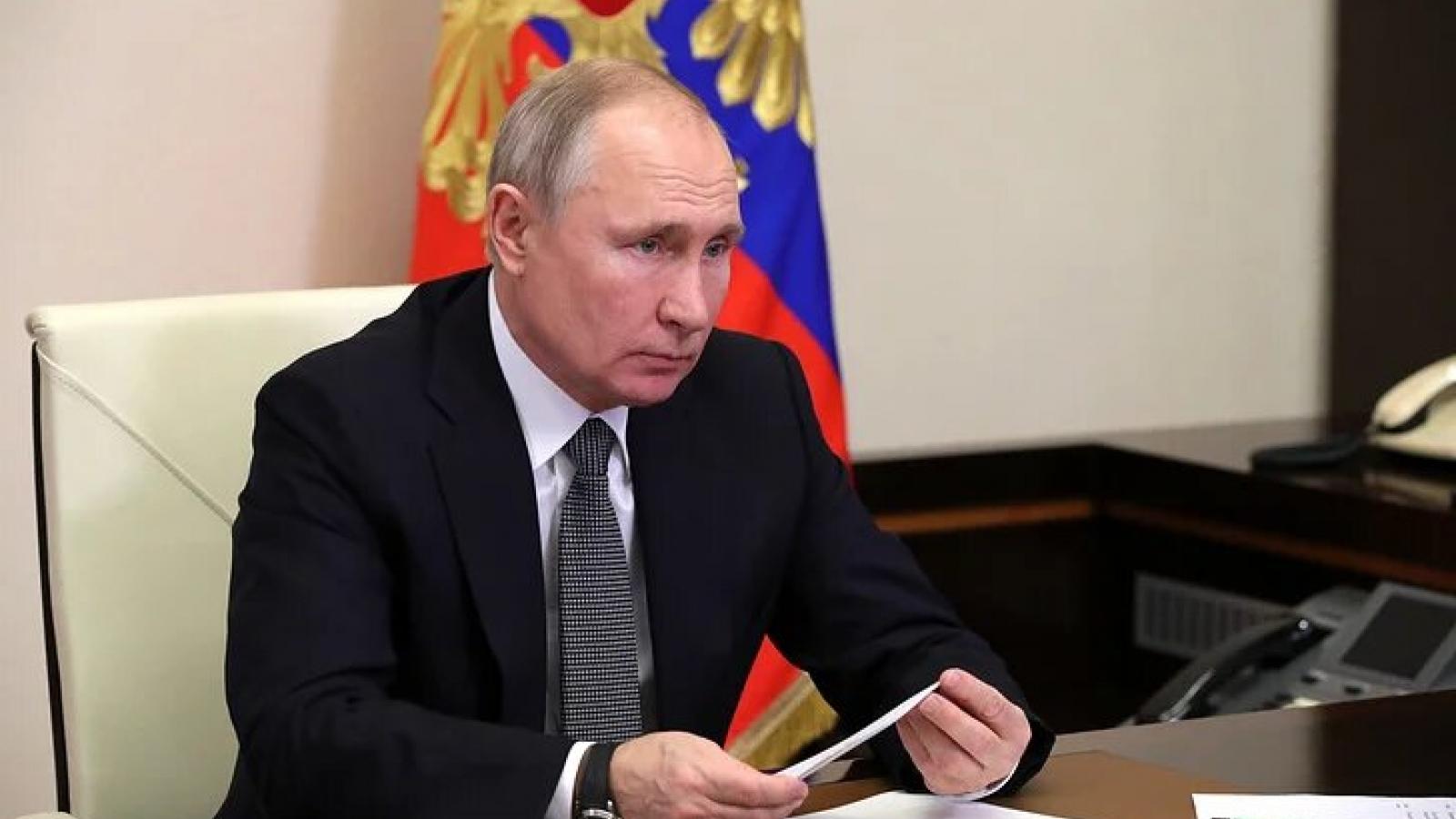 Nga tiến hành đánh giá hiệu quả của vaccine chống lại các chủng Covid-19 mới
