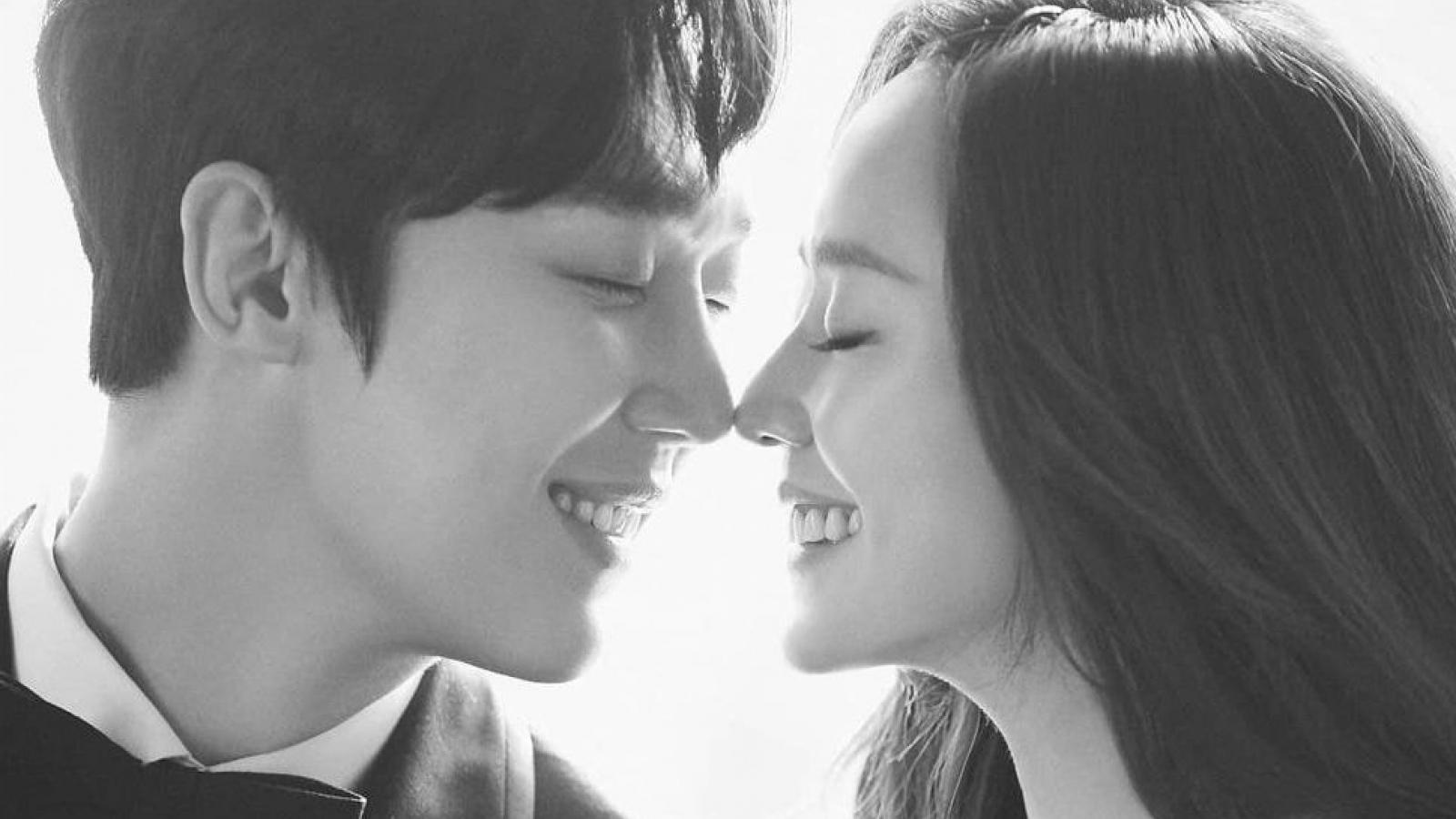 """Cặp đôi """"Penthouse"""" Oh Yoon Hee và Ha Yoon Chul gây sốt với loạt ảnh cưới đẹp như mơ"""