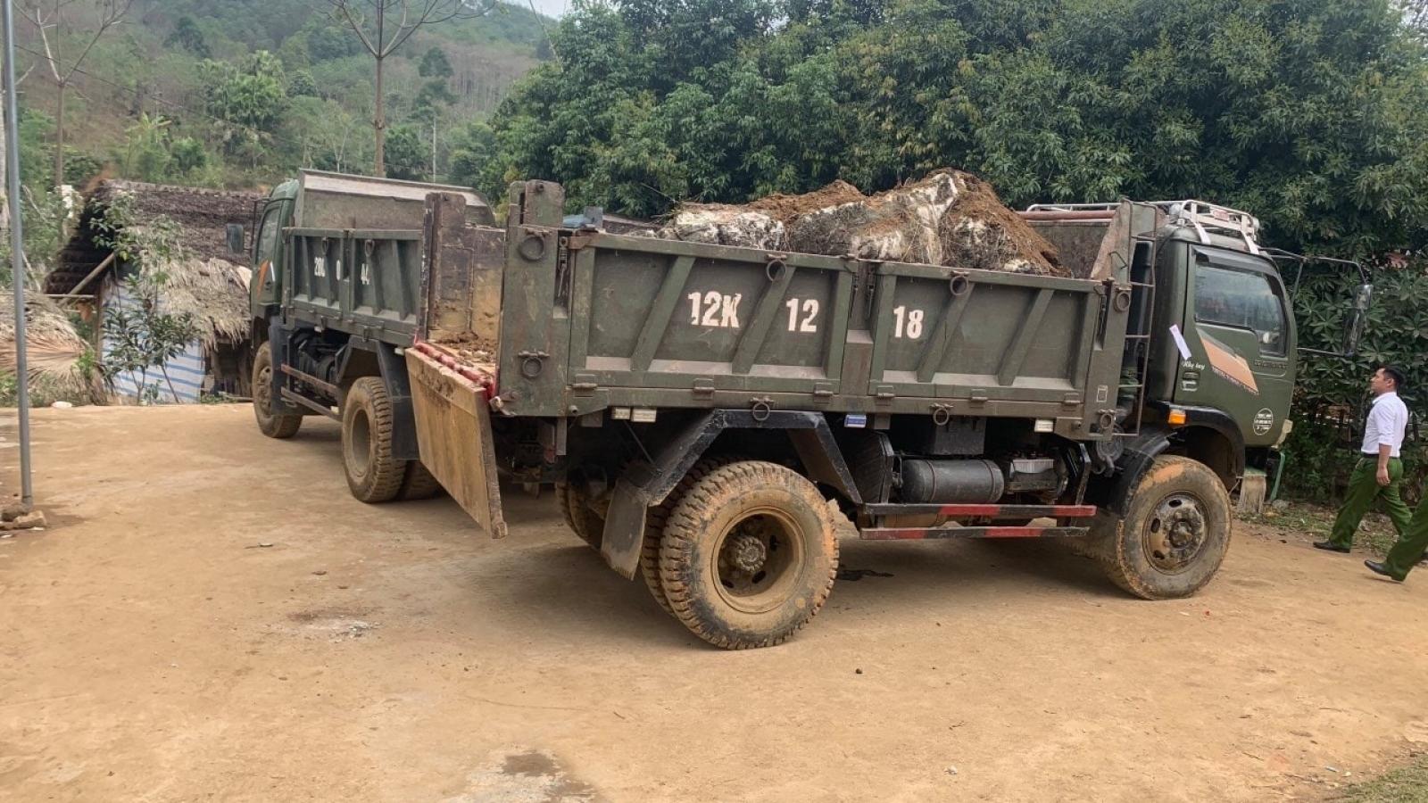 Phát hiện 4 ô tô vận chuyển khai thác khoáng sản trái phép ở Phú Thọ