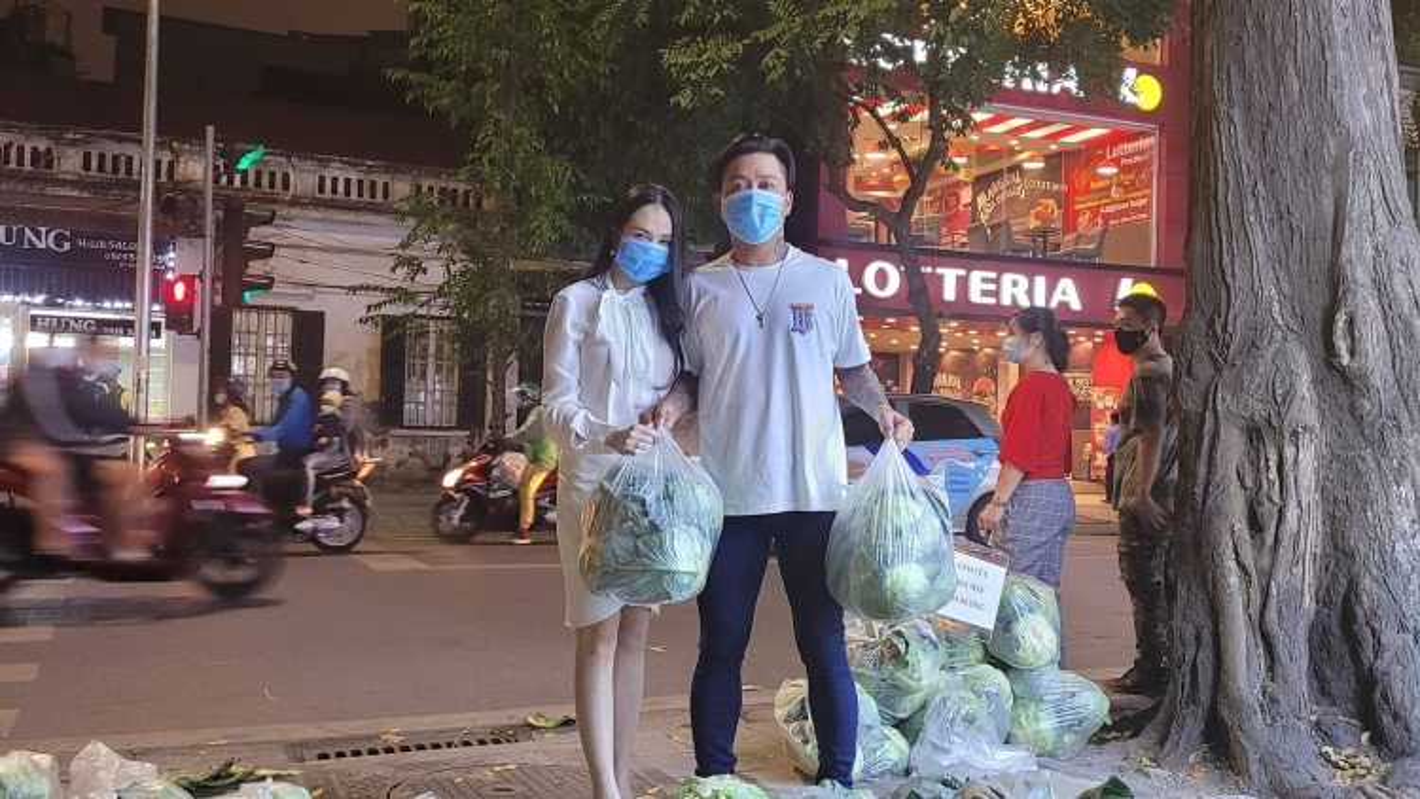 """Tuấn Hưng """"giải cứu"""" 8 tấn nông sản giúp bà con Hải Dương"""