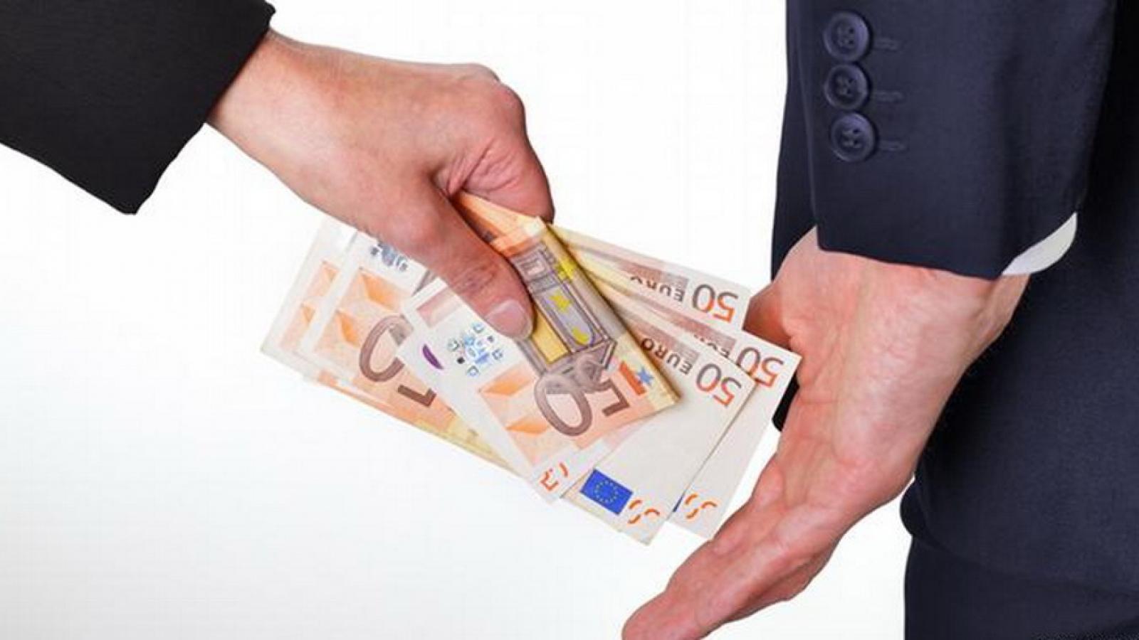 Séc thông qua luật bảo vệ người tố cáo để chống tham nhũng