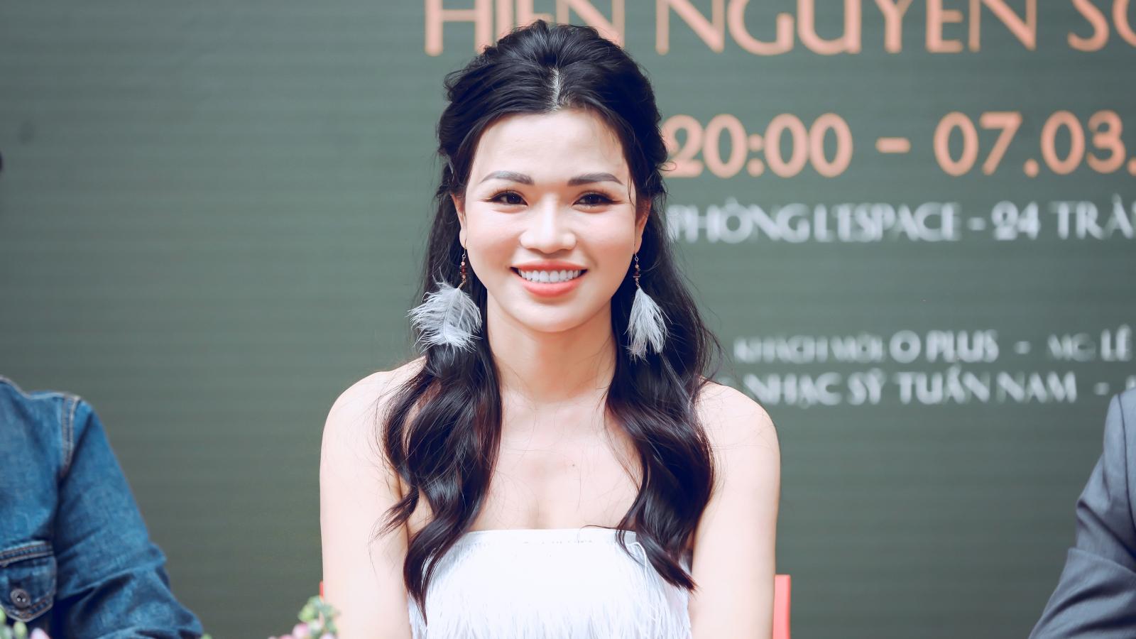 """2 năm không ra được album, Hiền Nguyễn Soprano """"ngược dòng"""" làm concert"""
