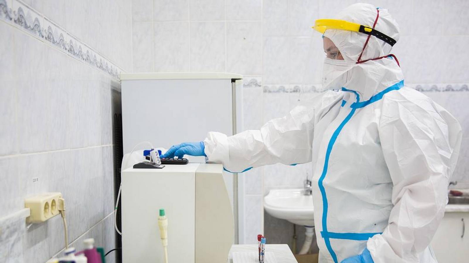 """Bộ Y tế Nga phê duyệt nghiên cứu giai đoạn 3 của vaccine """"Sputnik Light"""""""