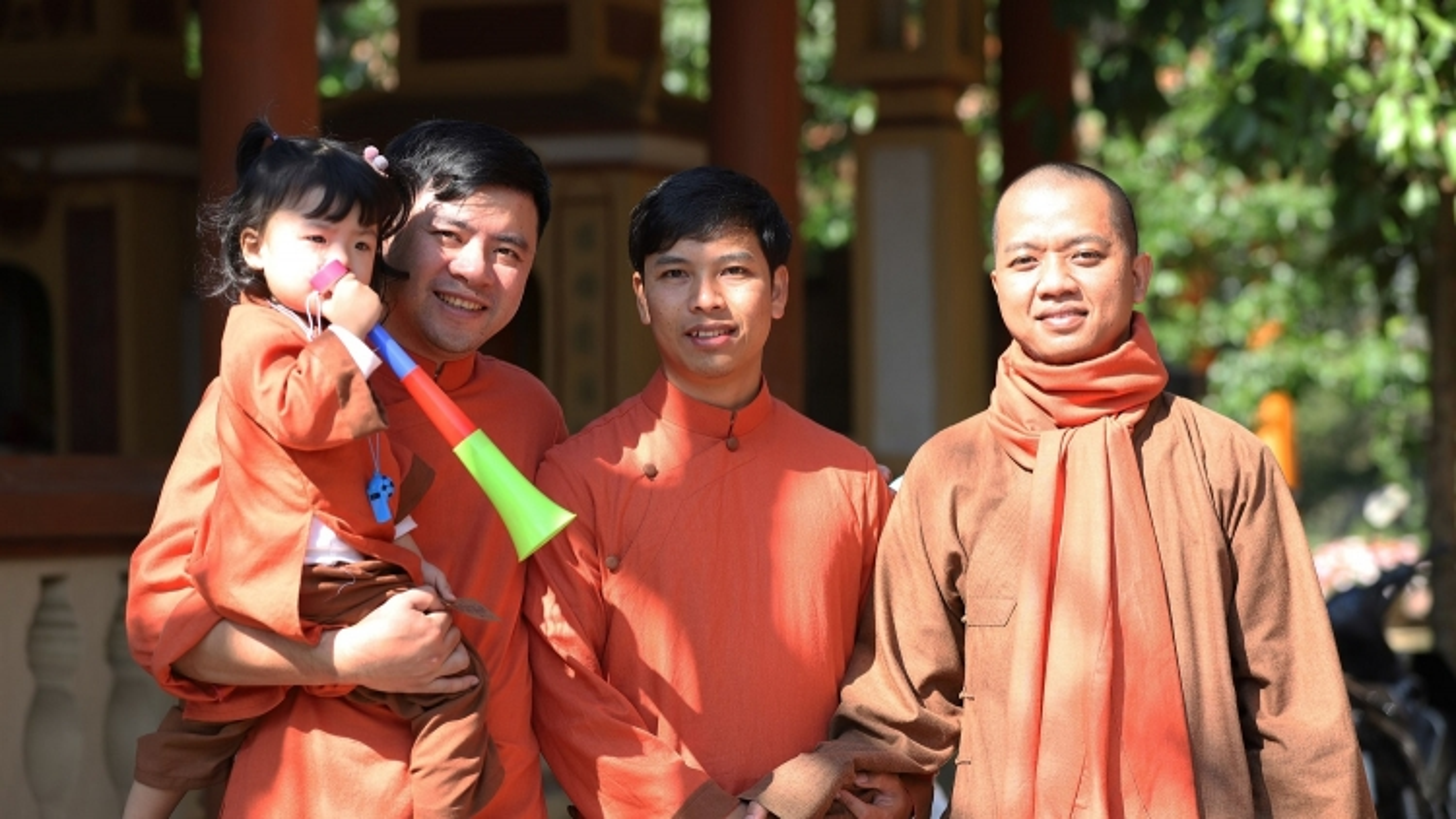Mùng 3 Tết, người dân Thừa Thiên Huế lên chùa lễ Phật cầu an