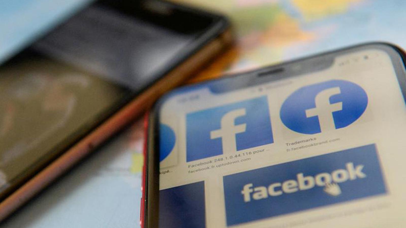 Người dùng phẫn nộ vì ảnh gif chân dung Bác Hồ phản cảm xuất hiện trên Facebook Mesenger
