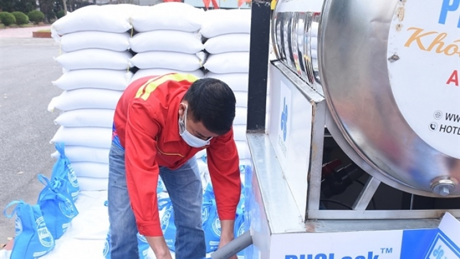 Hải Dương lắp đặt cây 'ATM gạo' miễn phí đầu tiên